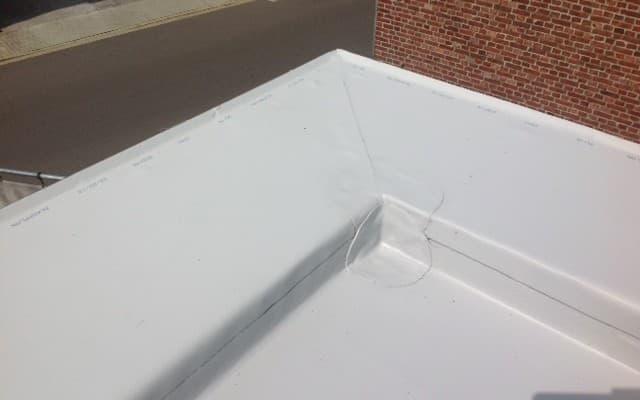 PLATTE DAKEN IN PVC